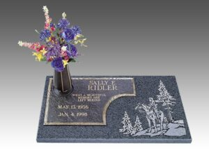 There are many options for adding graphics or photos to a memorial.
